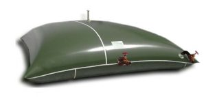 Flexible tanks pillow like shape,contain fuel, particulary indicated in military environement